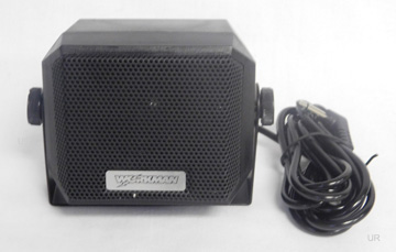SPEAKER WITH SWIVEL MOUNTING BRACKET AND 5/' CABLE  CB EXTENSION SPEAKER