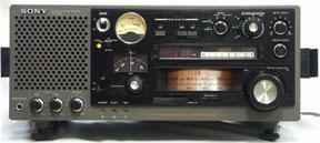 Оформление: переносной приемник Диапазон волн: 530-30000 kHz + FM (УКВ, КВ, СВ, ДВ) Режимы амплитудной модуляции: AM...